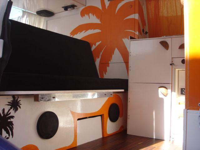 kitesurfers en herbe et combi vw. Black Bedroom Furniture Sets. Home Design Ideas